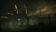 Outlast: Trinity похожа на Intruders: Hide and Seek
