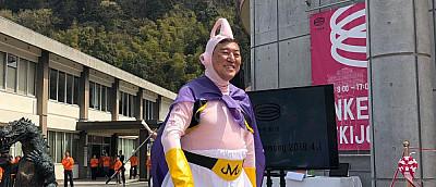 Министр кибербезопасности Японии ни разу не пользовался компьютером. Оппозиция в шоке